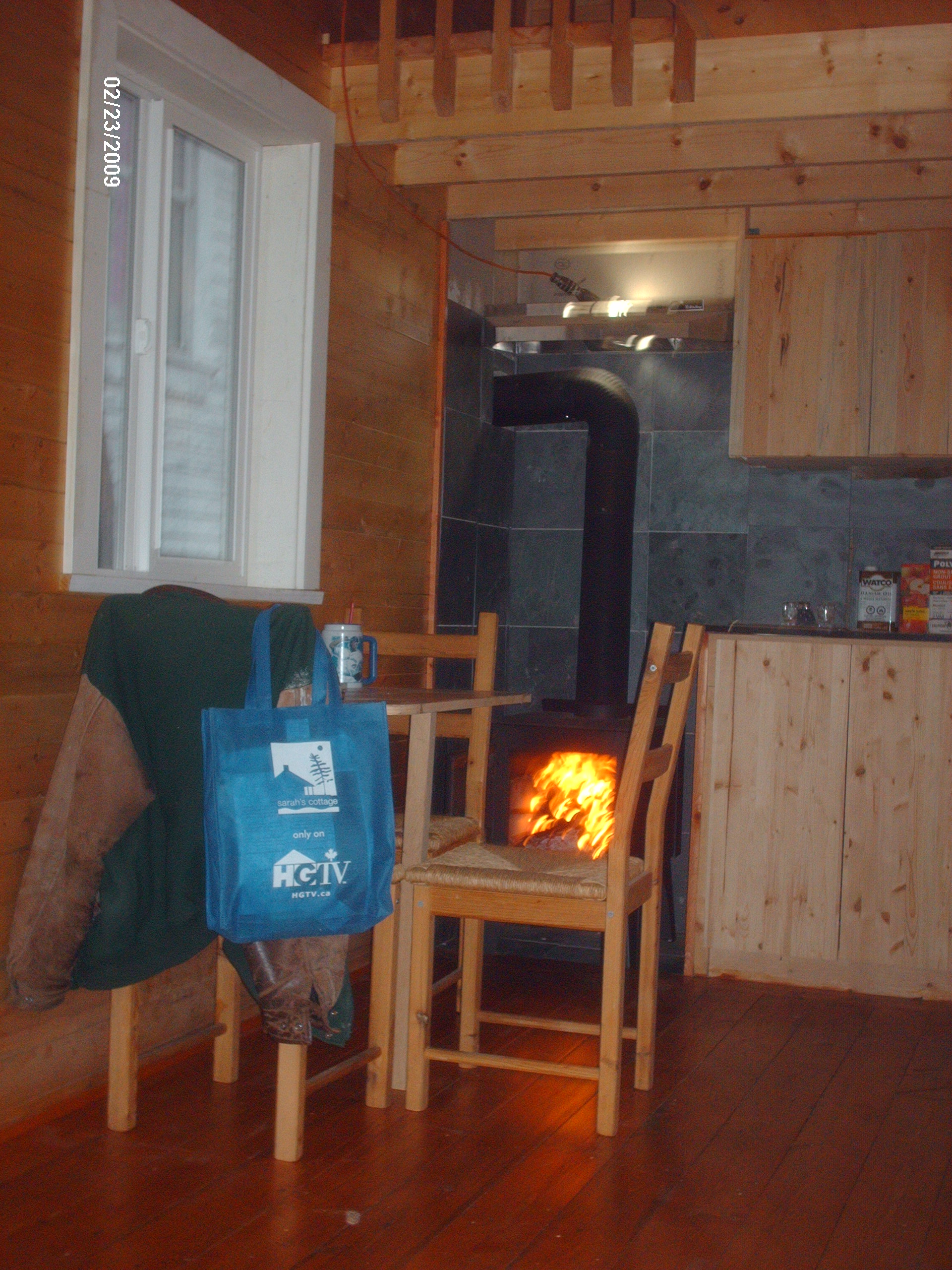 CABIN WITH WOODSTOVE
