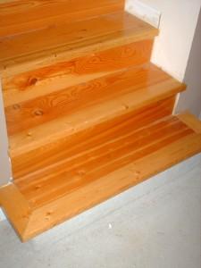 bottom of stair spf nosing